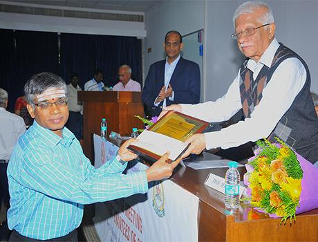 CMR SOET Prof. Muralishankar received VGST Award